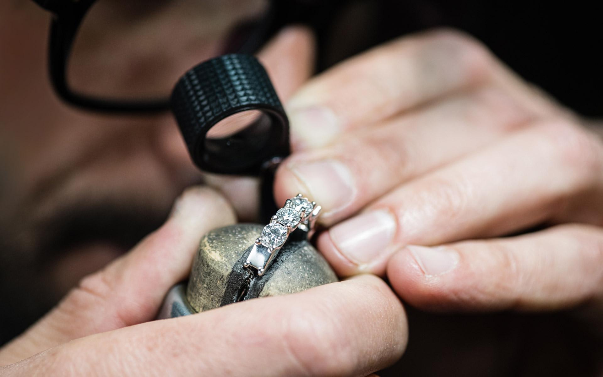 Gioielli e Orologi di alta qualità - Casavola Gioielleria Noci